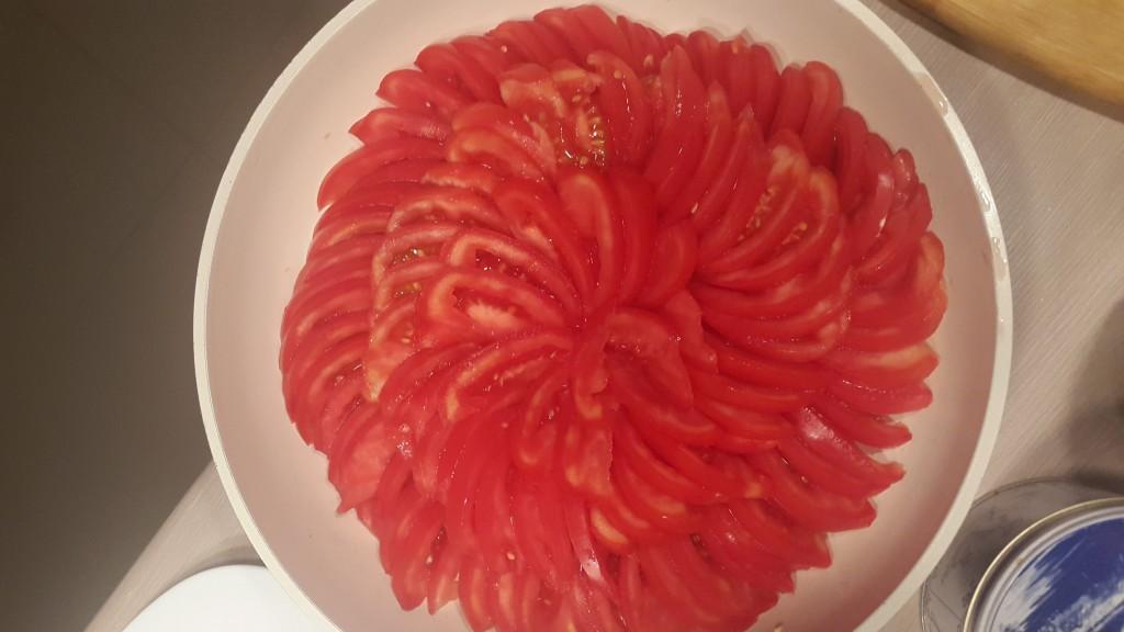 przepis na pomidory z patelni
