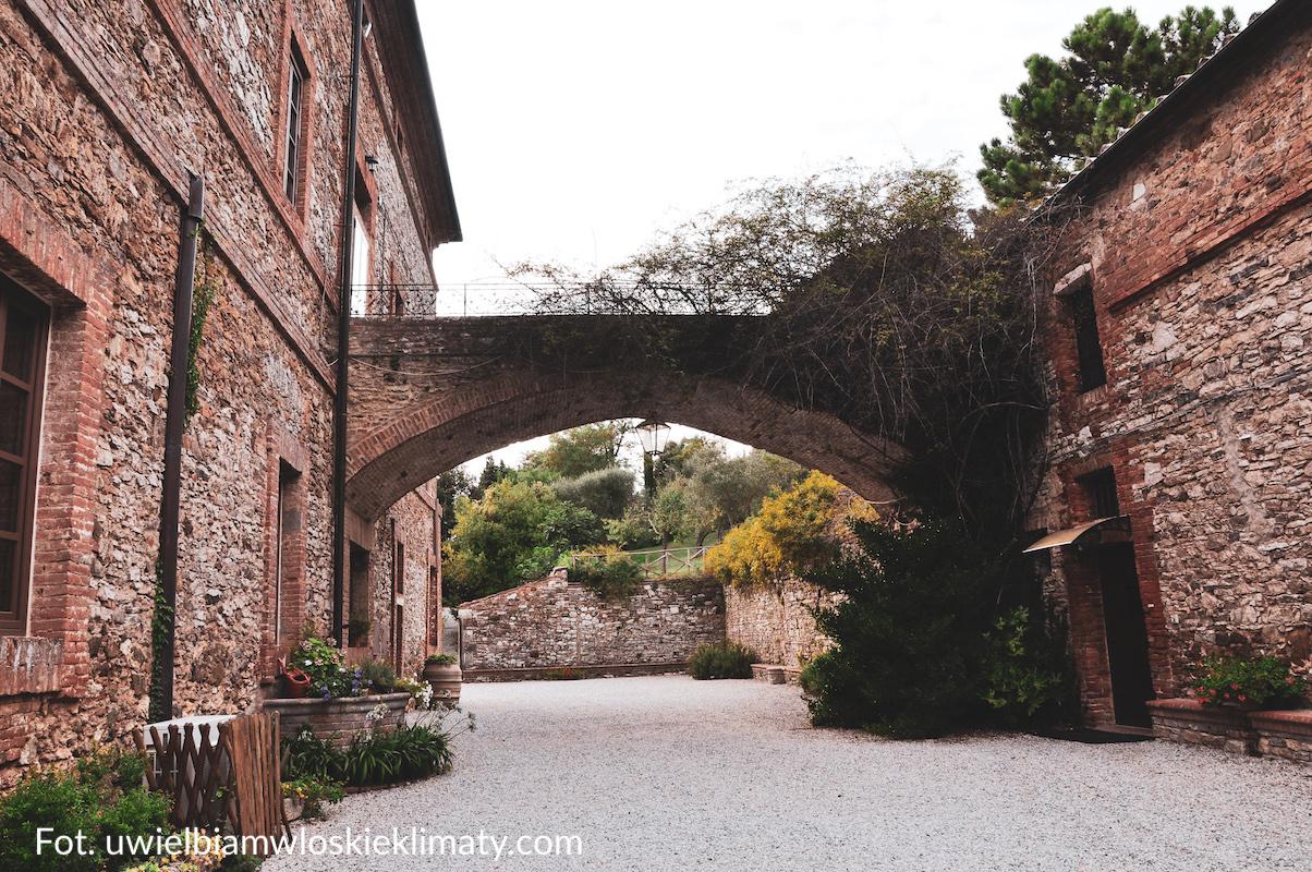 Ogród w agriturismo w Rapolano Terme