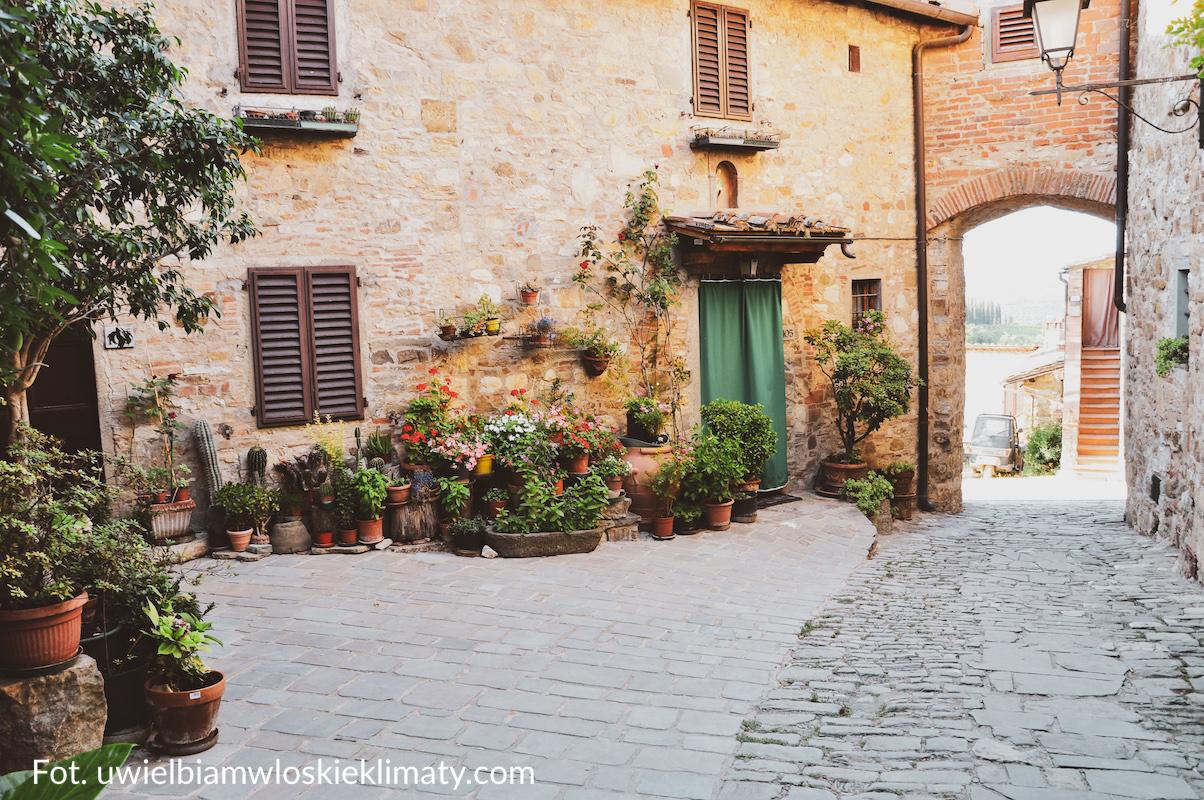 ogrody i tarasy w stylu włoskim terakota